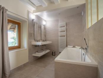 La salle de bains de la chambre Coulanges