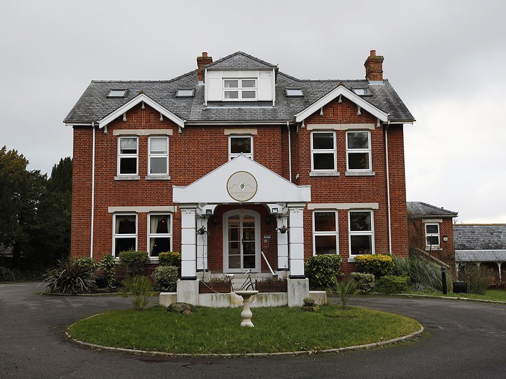 Duxford Lodge Hotel front view