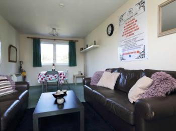 Edinburgh city centre Coady Apartment - seating area