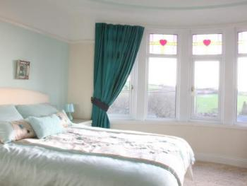Double room-Ensuite-Valley View