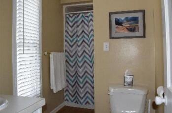 Driftwood Room Bathroom