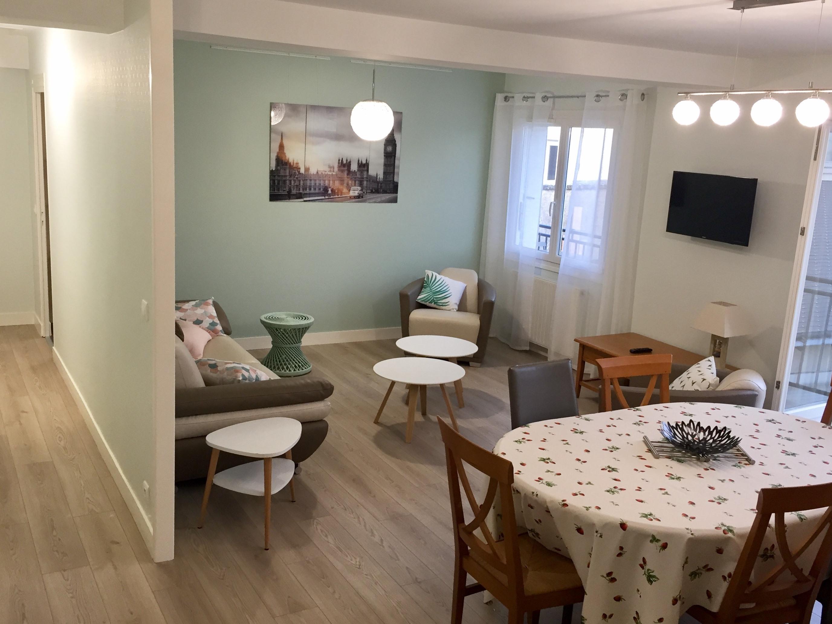 Cottage-Supérieure-Salle de bain et douche-Balcon-Agnés Sorel