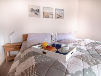 Apartment-Eigenes Badezimmer-Gartenblick