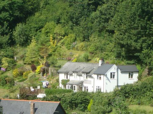 quarry cottage viewed from tarka trail