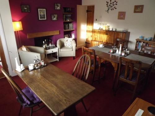 Breakfast room/guest area