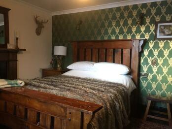 Balsporran Bed And Breakfast - Double Deluxe Guest Bedroom