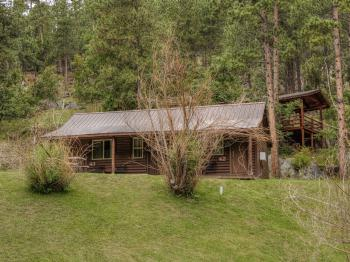 2 Queen Bed Cabin--Duplex-Private Bathroom-Standard