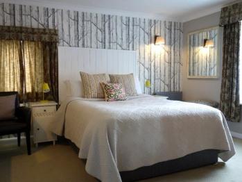 King-Comfort-Ensuite-Room 6