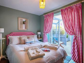 Double room-Suite-Ensuite-Kelling with courtyard