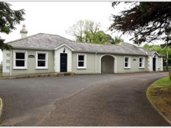 Brookhall Cottages -