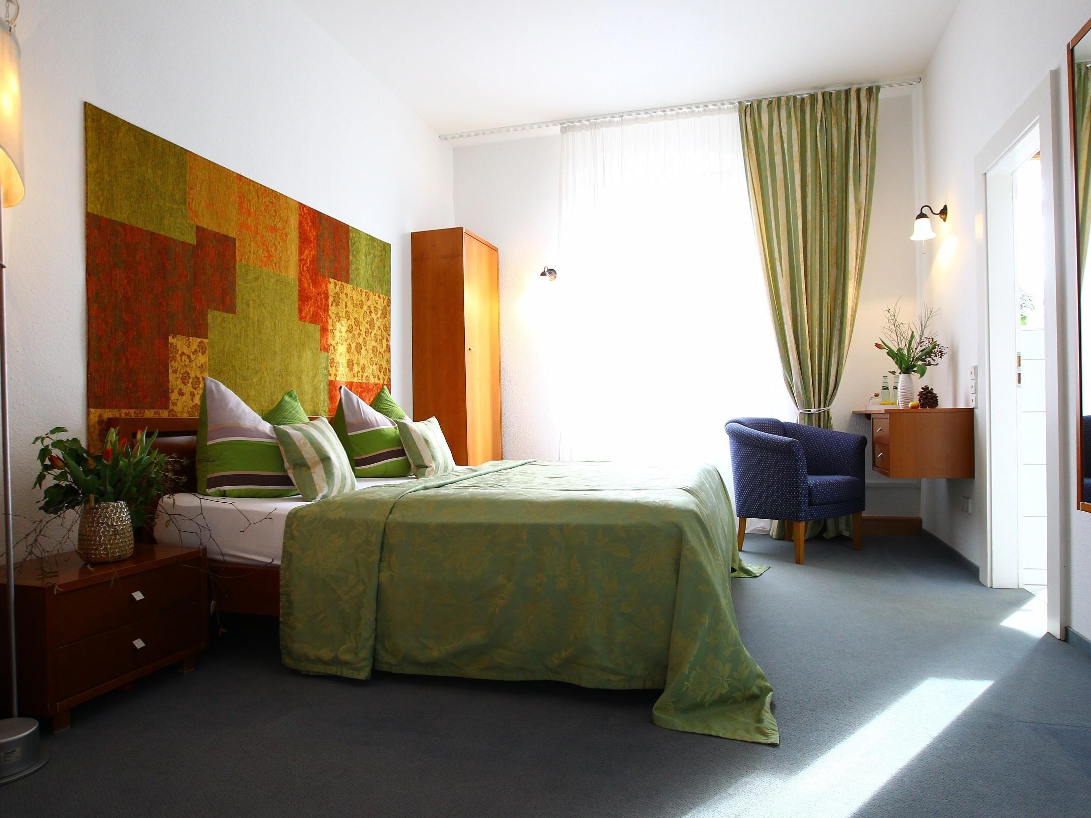 Doppelzimmer-Exklusiv-Ensuite Dusche-Gartenblick-Schloss 204
