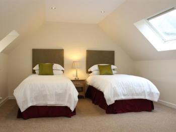 The Inn at Y-Not - Ensuite Twin Bedroom