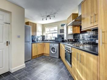 Apartment-Private Bathroom-Doyle