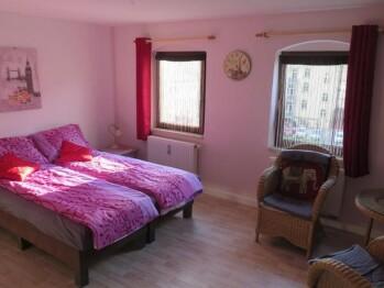 Doppelzimmer-Komfort-Eigenes Badezimmer-Gartenblick