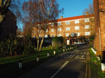 Cosy Quiet top-floor Flat across from Dulwich Park - Approach to Property