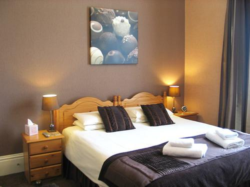 Luxury en-suite Room with double shower cubicle