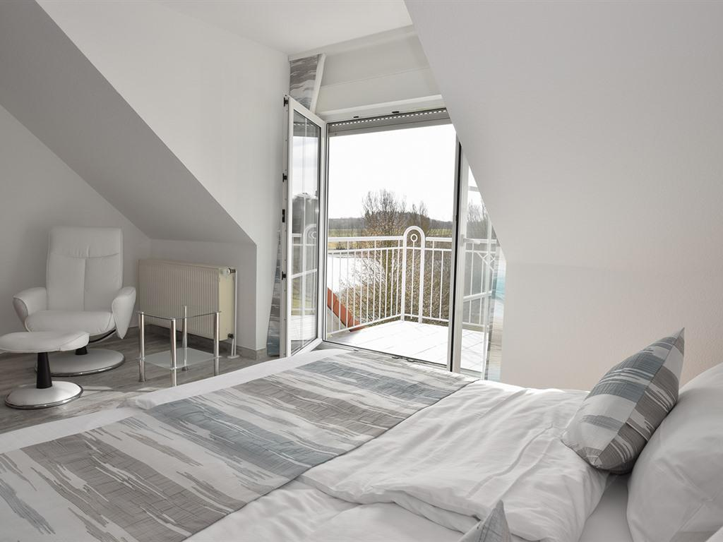 Doppelzimmer-Ensuite Dusche-Seeblick-mit Balkon - Basistarif