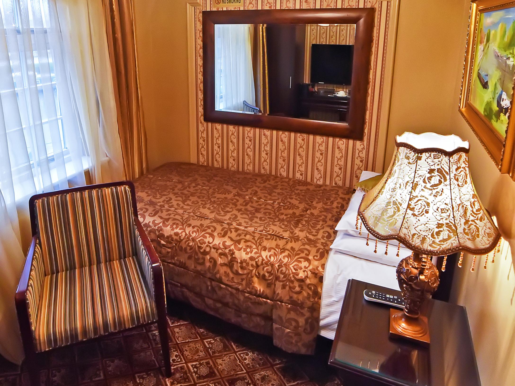 Single room-Deluxe-Private Bathroom-River View