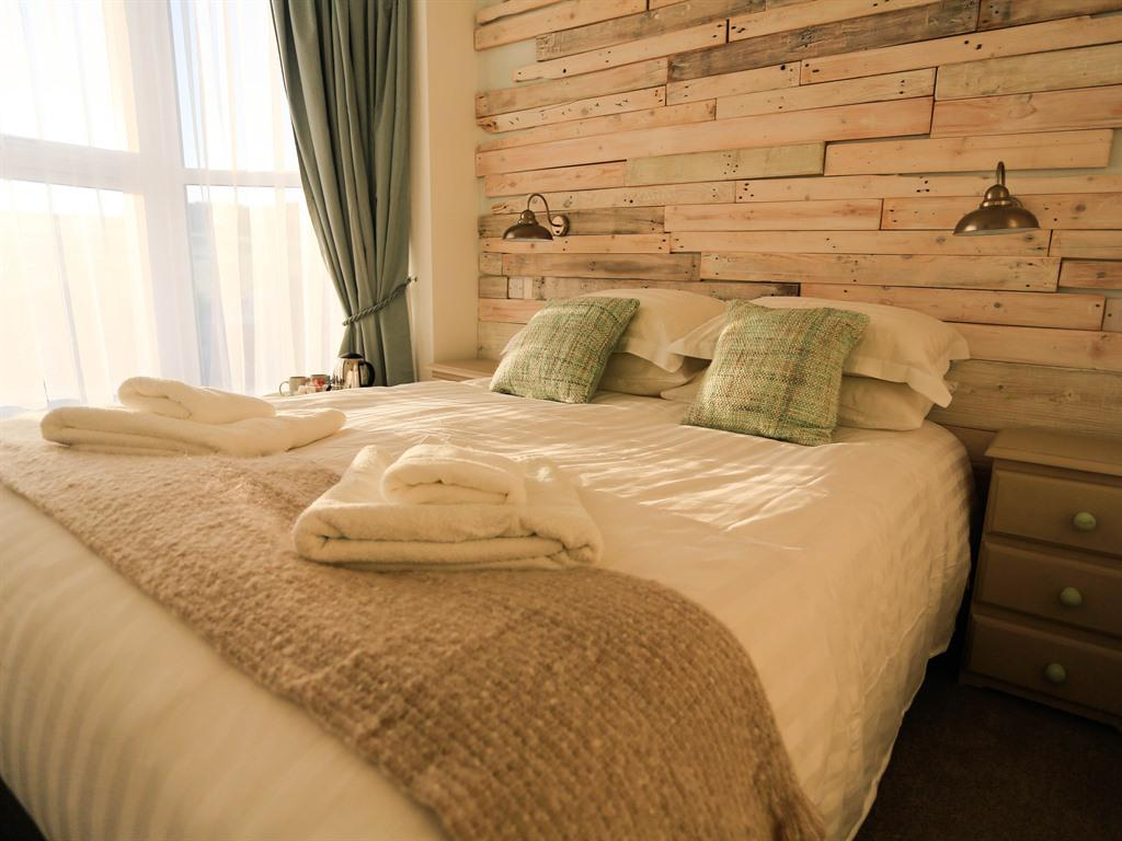 Double room-Standard-Ensuite with Shower-Croyde