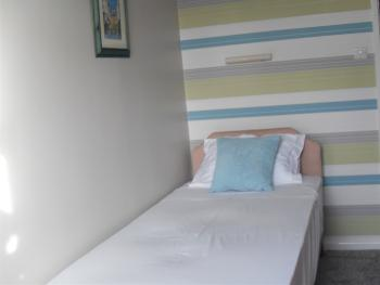 Twin room-Standard-Ensuite with Shower-Street View-first floor