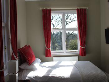 Double room-Standard-Ensuite with Shower-Garden View-First Floor - Base Rate