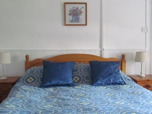 Blue Room kingsize ensuite