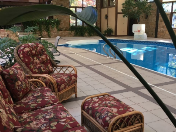 Lounge Area next to Pool