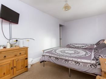 Triple room (violet copper)