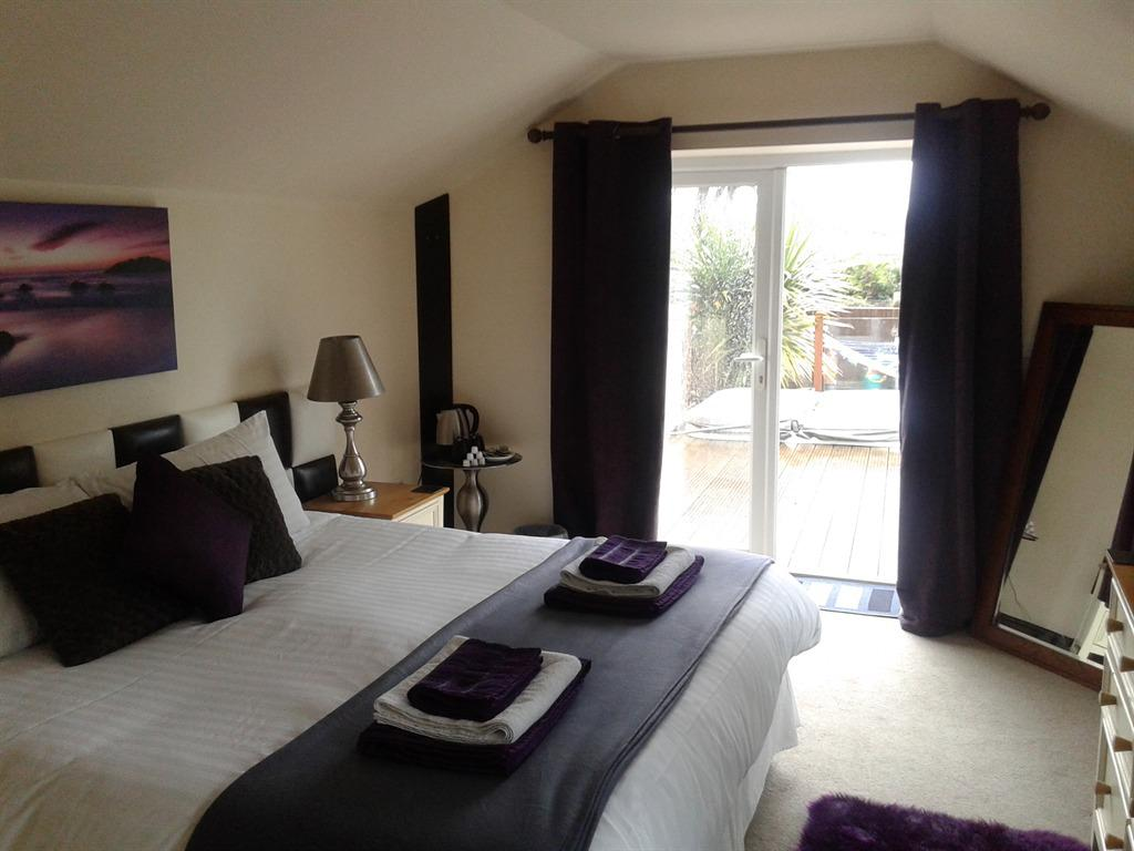 Double room-Superior-Ensuite-(Hot tub and private BBQ)