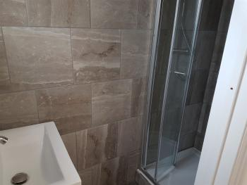Twin-Standard-Ensuite with Shower