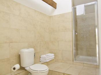 Room 5 Deluxe Double en-suite walk-in shower