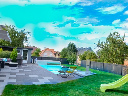 Pool, garden and terrasse