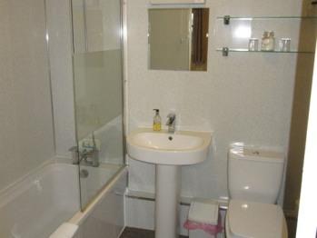Room 5 - En-Suite