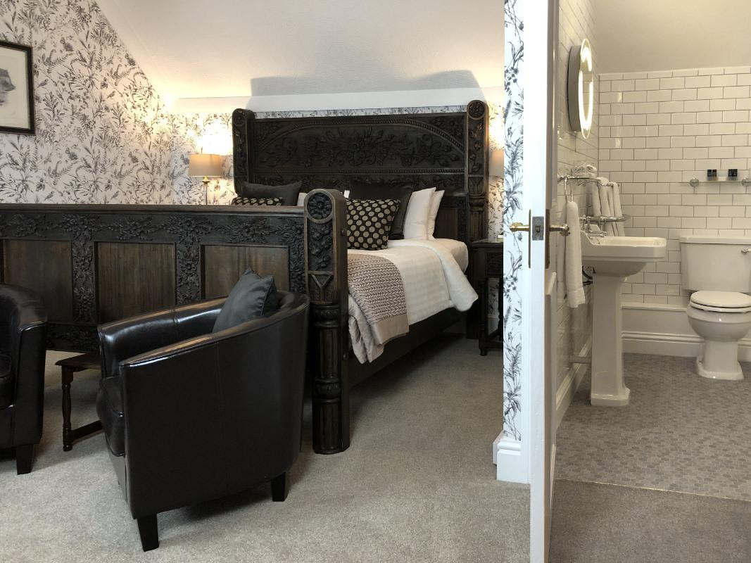 Double room-Ensuite-The Cleaves – Super-king