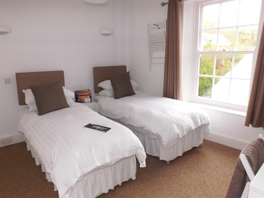 Double or Twin-Ensuite-Sea View