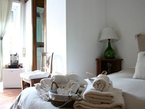Matrimoniale-Classica-Bagno in camera con doccia-Terrazza-Rione Monti