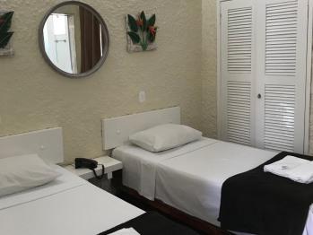 2 camas solteiro-Privativo