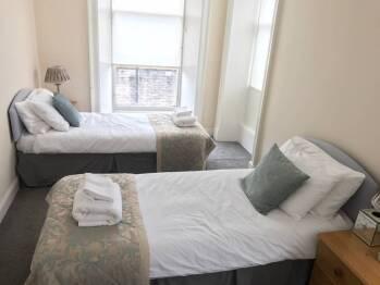 Apartment-Private Bathroom-Twin