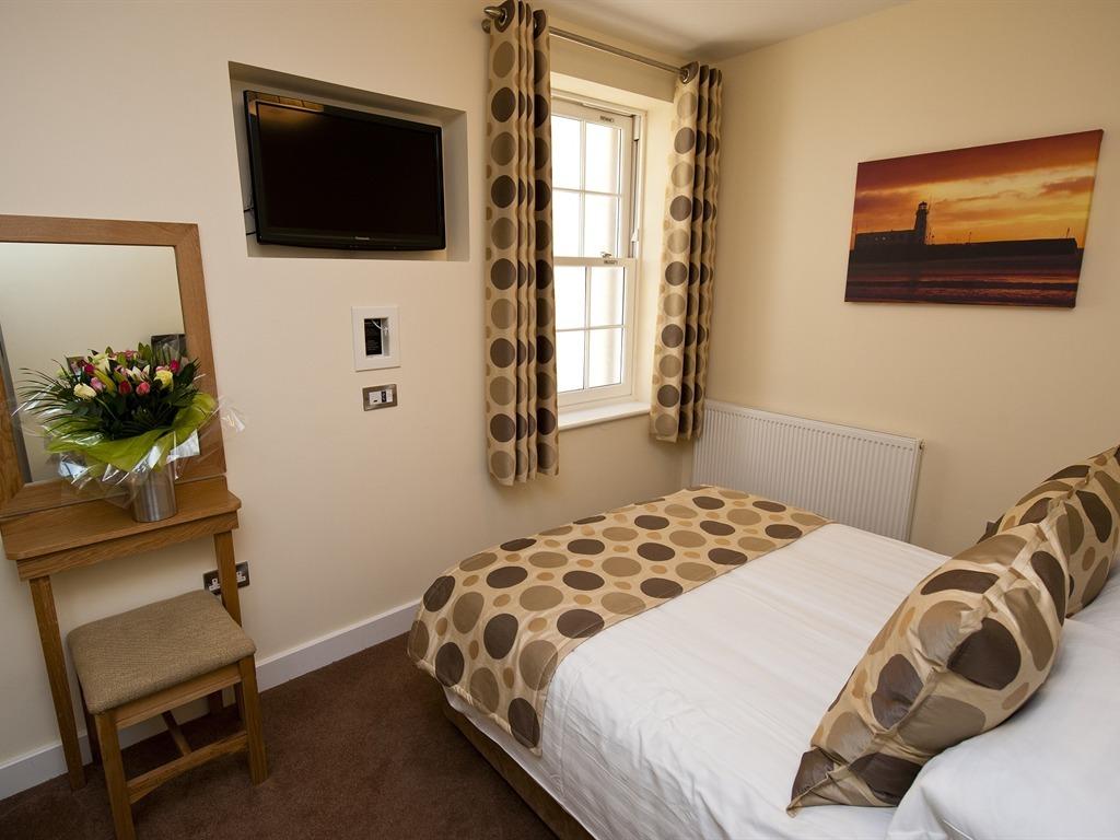 Apartment 6-1 Bedroom