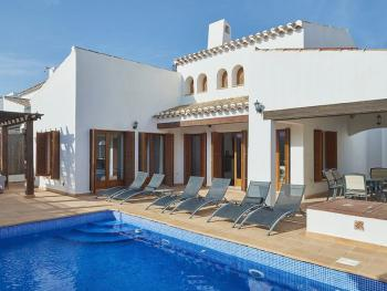 Villa-Ensuite with Bath-Pool View - Base Rate