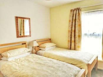 Bedroom: Beach Lodge