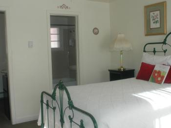 Double room-Private Bathroom-King-Courtyard view-Room 2 - Base Rate