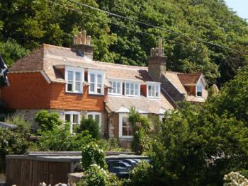 Bishops Cottage B&B -