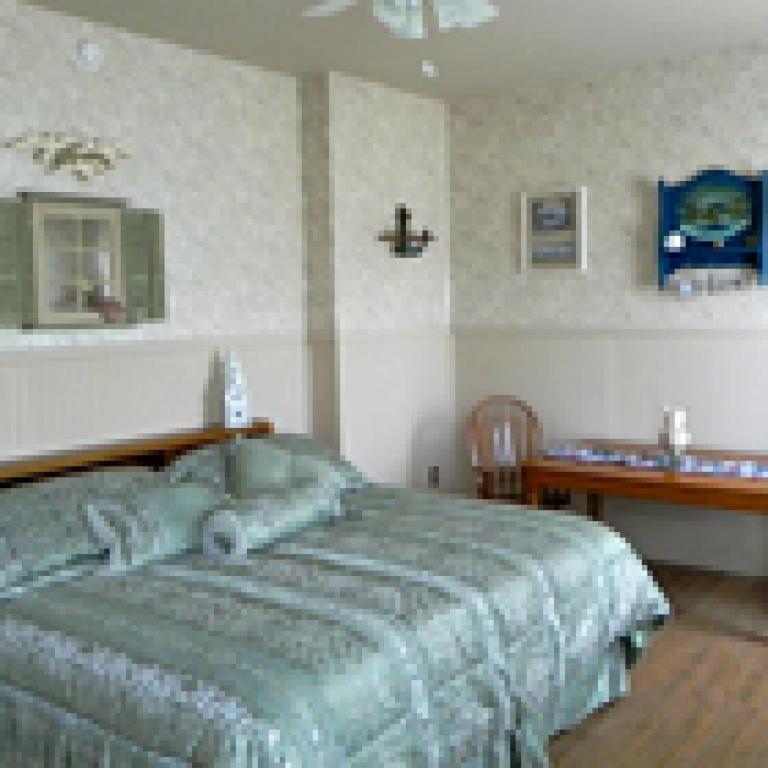 Seaside (king bed)
