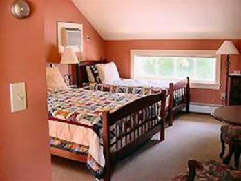 Triple room-Ensuite-Standard-City View-Shoreham - Triple room-Ensuite-Standard-City View-Shoreham