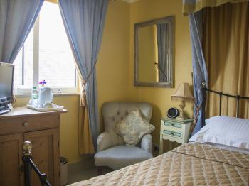 Single room-Ensuite-Louise Room