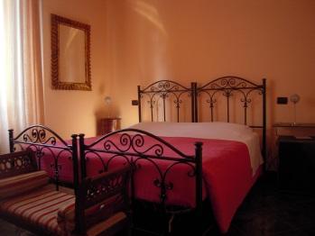 Camera matrimoniale/doppia con 2 letti singoli