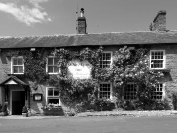 The White Lion Inn - Front of bub