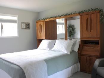 Suite-Queen-Private Bathroom-Garden View-Hideaway Suite