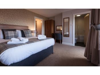 Family Suite - Sleeps 4 - Room Only - Breakfast Available